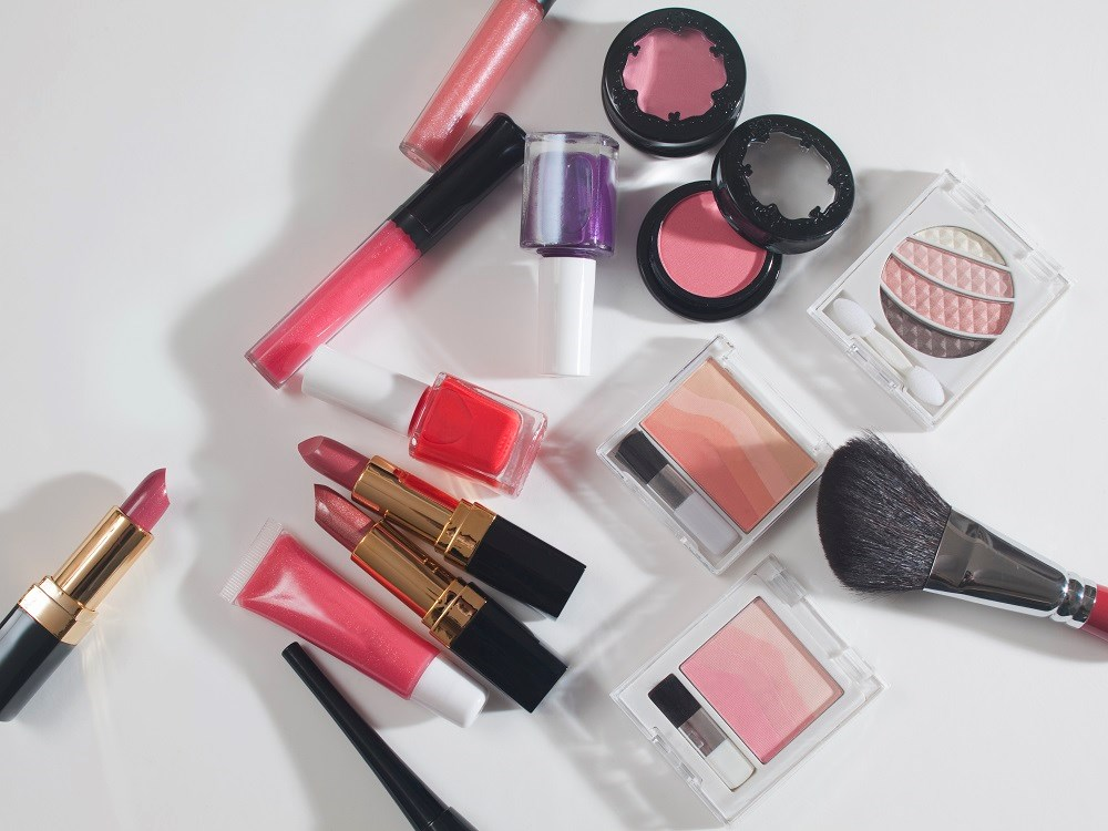 Adverse Events Related to Cosmetics Go Unreported