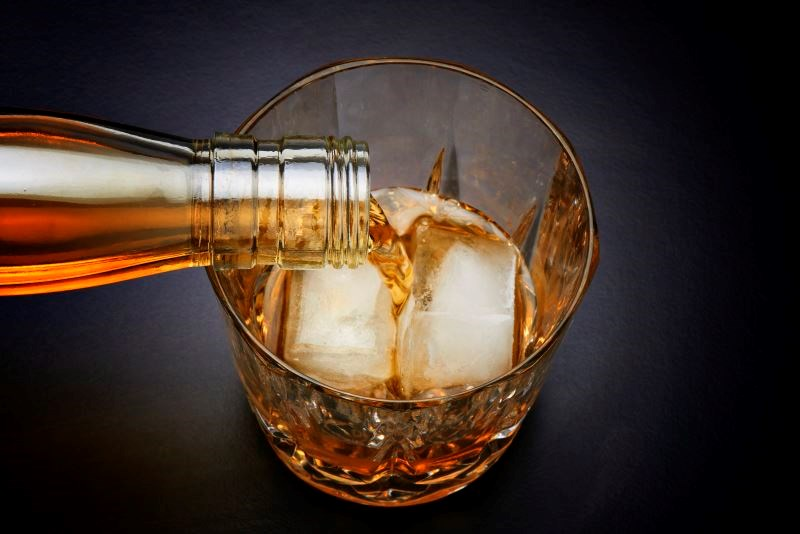 Alcohol usage not linked to lower short-term CD4 cell count in HIV