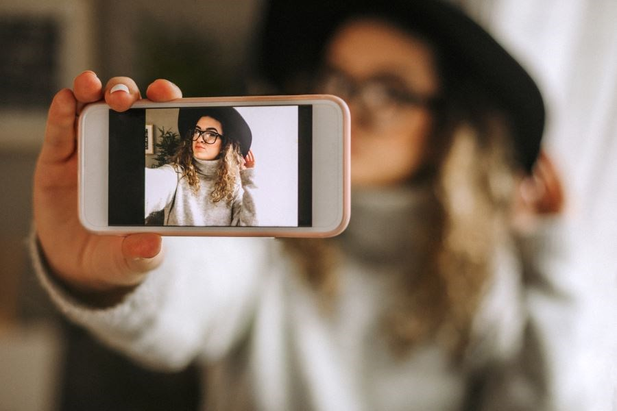 Selfies May Contribute to Perceived Nasal Breadth Distortion