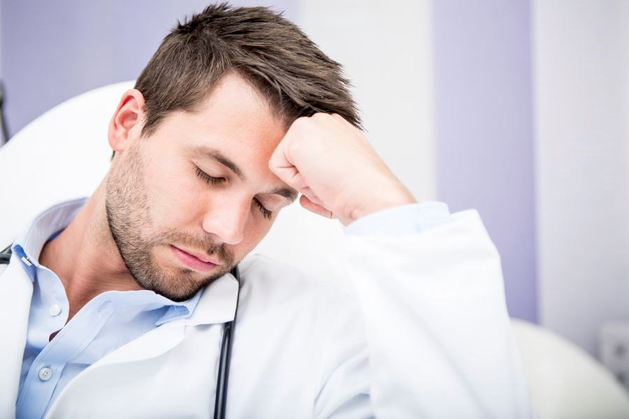 Interns' Schedule Takes Toll on Sleep, Physical Activity, Mood