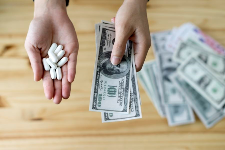 The researchers found that the odds of prescribing a manufacturer's drug were increased among physicians receiving general payment only or either payment type.